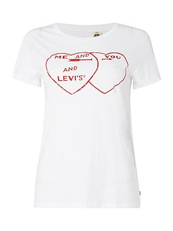 Short sleeve heart graphic tee in white