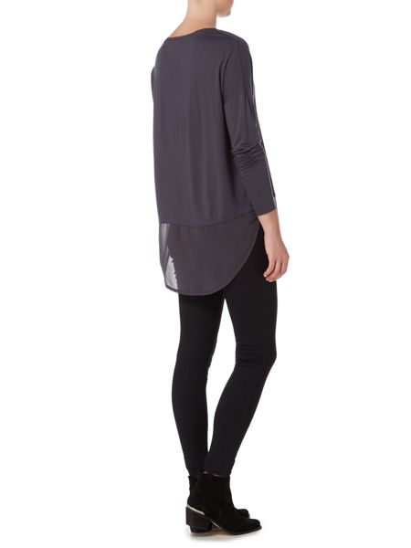 Label Lab Long sleeve v neck ciffon hem top