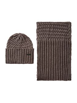 Barbour international hat and scarf gift set