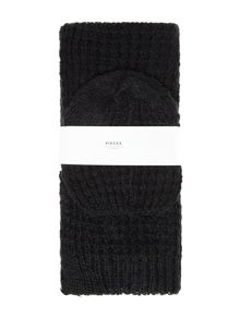 Pieces Knitted scarf and hat gift set