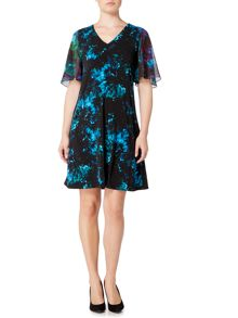 Ellen Tracy FLutter sleeve printed shift dress