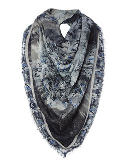 Reflection print scarf