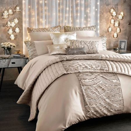Kylie Minogue Celeste shell square pillowcase