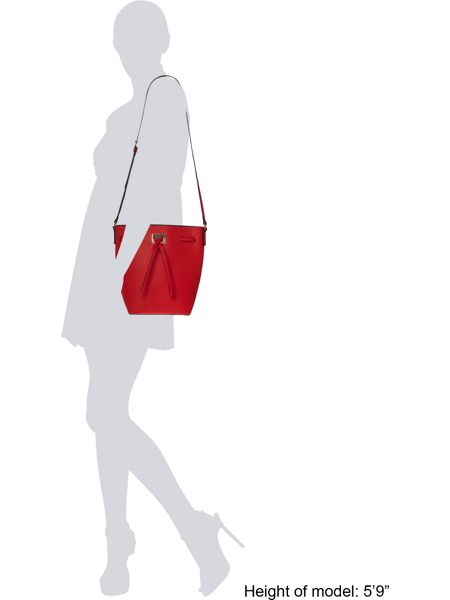 Pieces Red bucket bag