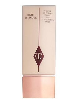 Light Wonder Liquid Foundation