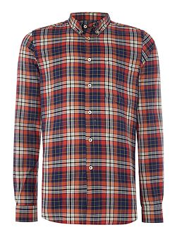 Tailored fit long-sleeve checked shirt