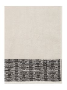 Linea Tribe border towel