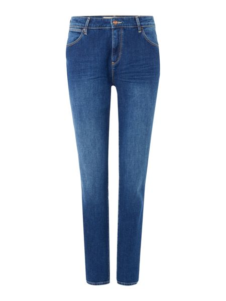 Wrangler Mid rise boyfriend jean in authentic blue