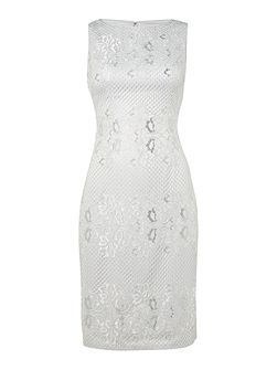 Sleevless lace shift dress