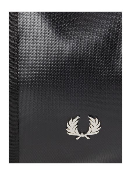 Fred Perry Pique Textured Barrel Bag