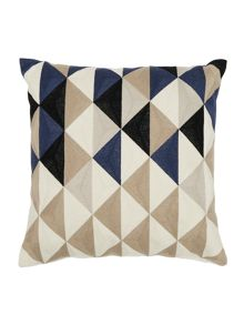 Linea Arlo triangle cushion