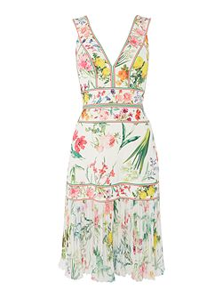 V NECK ALL OVER PRINT DRESS WITH PLEATED