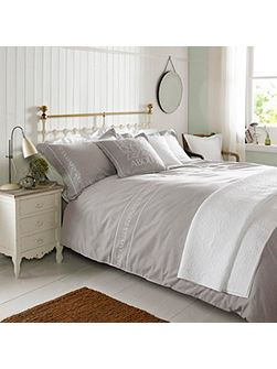 Embroidered duvet cover natural