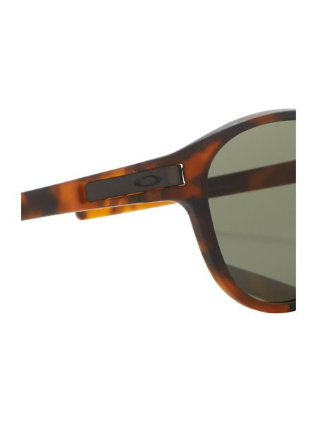 Oakley Matte brown oval OO9265 latch sunglasses