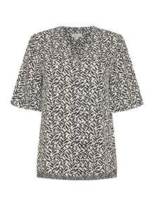 Linea Brush print short sleeve blouse