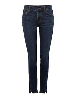 811 skinny jean with front hem cut in