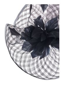 Linea Shannon crin and flower fascinator