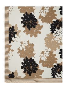 Linea Shelby floral poly square