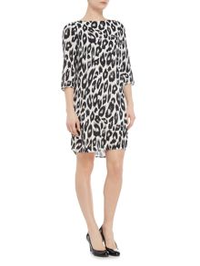Vero Moda Rowena 3/4 sleeve snow leopard print dress