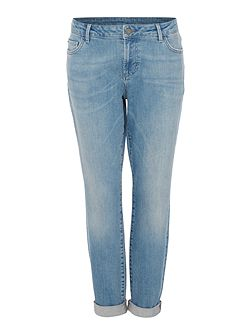 Jackson Mid Rise Authentic Wash Girlfriend Jeans