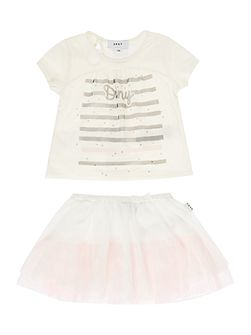 Girls T-Shirt And Skirt