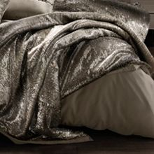 Kylie Minogue Mila praline throw