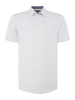 Geo tape print short sleeve shirt