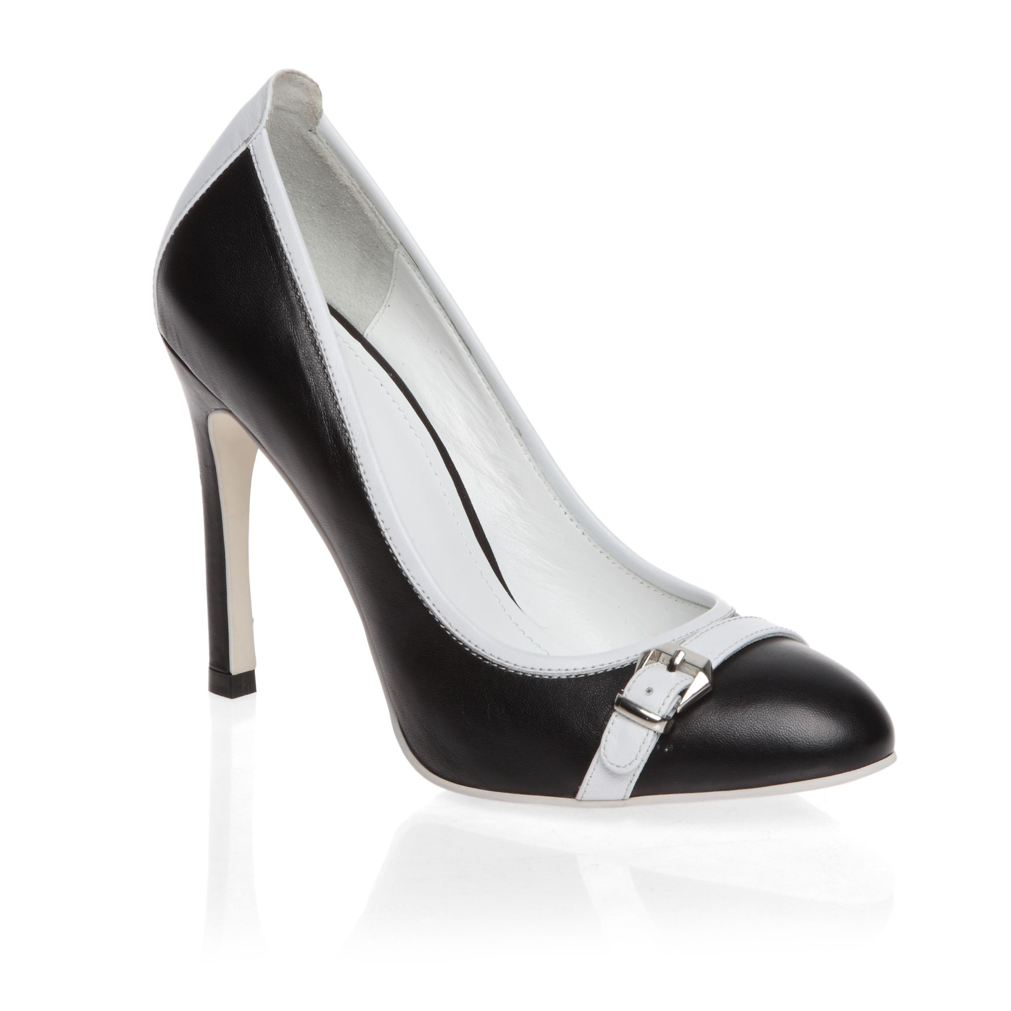 High heeled round toe patent court shoes