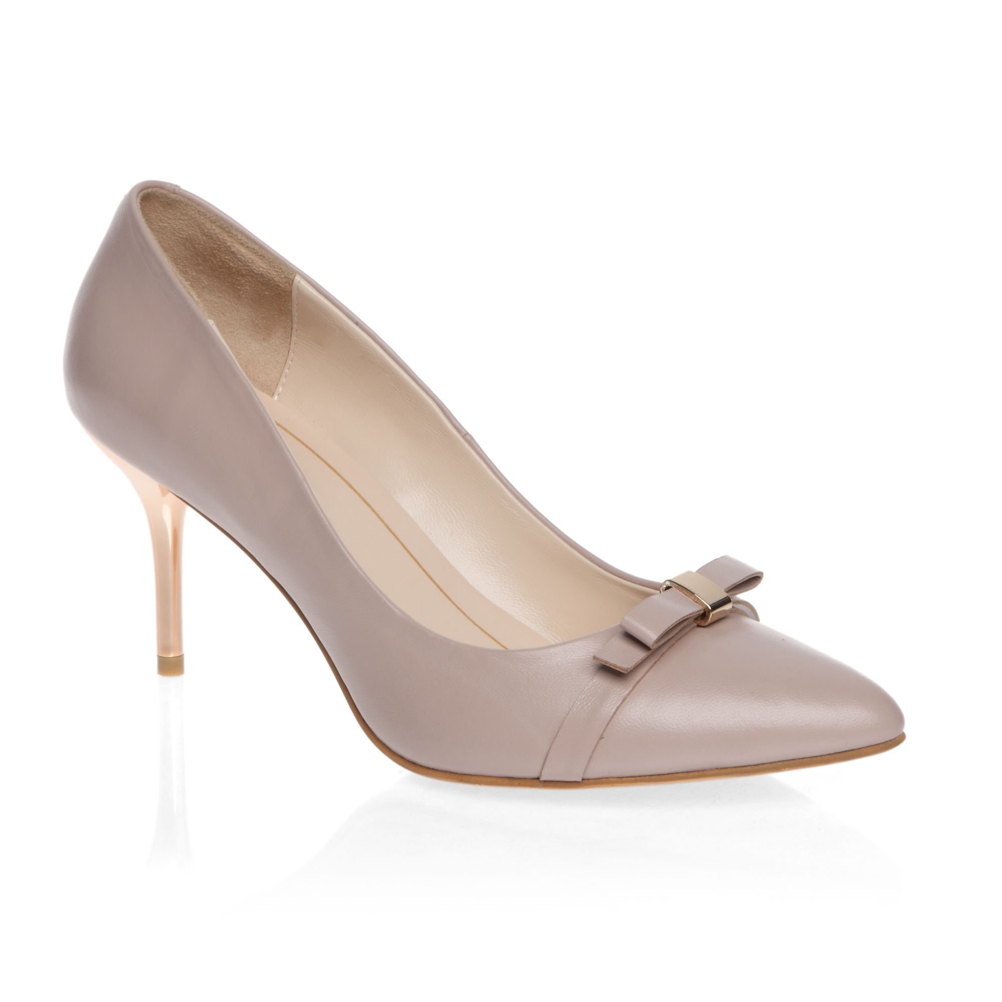 Metal heeled pointed court shoes