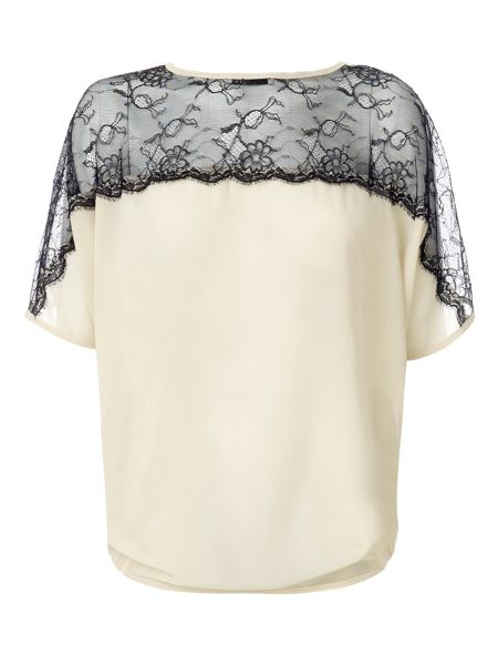 Relish Curt top with short sleeves
