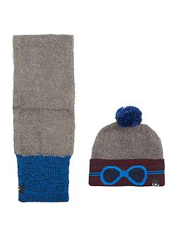 Boys knitted scarf and hat set