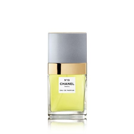 CHANEL N°19 Eau De Parfum Spray 35ml