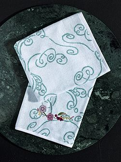 Louise Amande towel