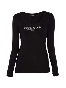 Round-neck long-sleeved T-shirt