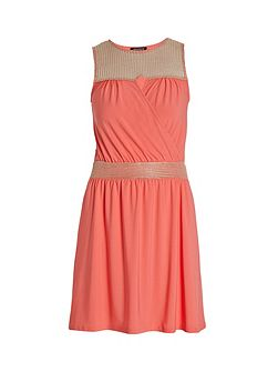 Sleeveless short dress with knit detail
