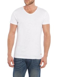 T-shirt with buttons on the neck