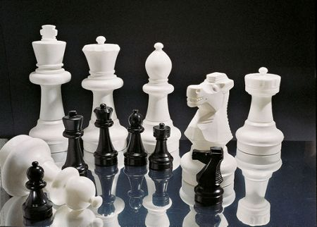 Rolly Large Chess Pieces