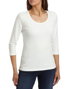Scoop neck 3/4 sleeve plain T-shirt