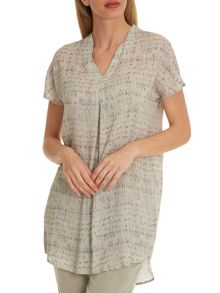 Betty & Co. V-neck printed tunic