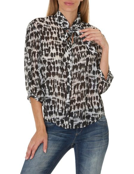 Betty & Co. Printed pussy bow blouse