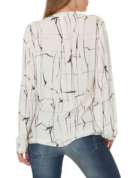 Betty & Co. Printed crêpe blouse