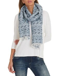 Betty & Co. Long woven scarf