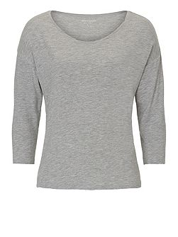 Three-quarter sleeve top