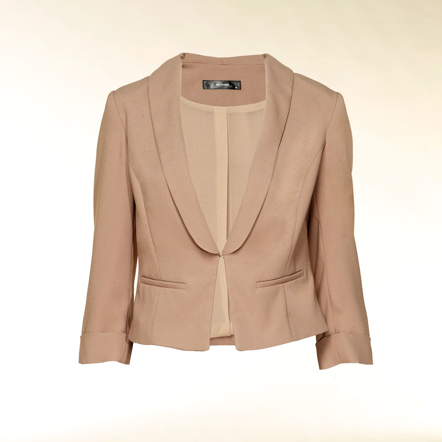 Crop blazer with three-quarter sleeves