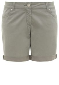 Cottonstretch cuffed shorts with pockets