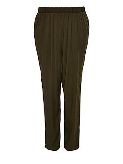 Pleated boyfriend trousers