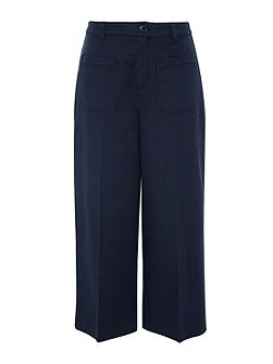 Crop trousers with wide cut