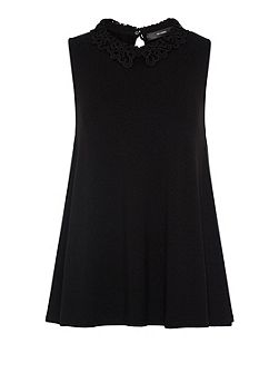 Jersey top with lace collar