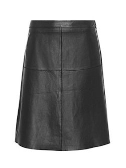 A-line skirt made of nappa leather