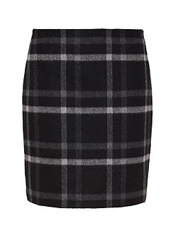 Flannel skirt with check patterning